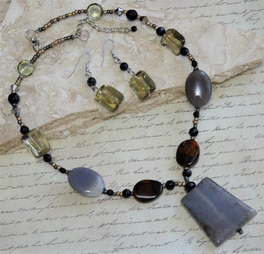 Agate Gemstone & Ceramic Bead Necklace & Earrings - Click Image to Close